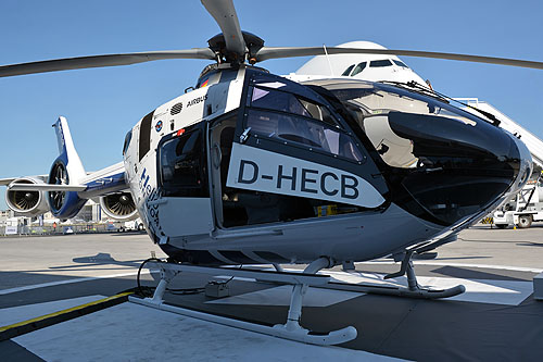 Hélicoptère H135 / EC135 T3 D-HECB Helionix sur le Stand d'AIRBUS HELICOPTERS