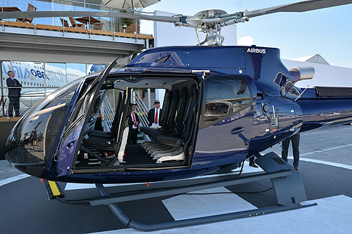 Hélicoptère H130 sur le Stand d'AIRBUS HELICOPTERS