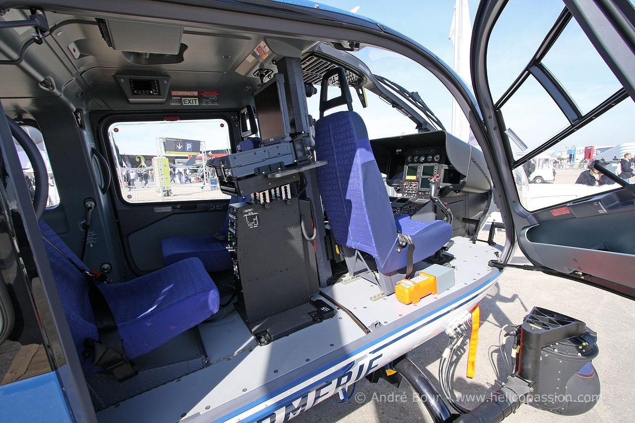Helico passion le bourget 2009 ec135 de la gendarmerie for Gendarmerie interieur