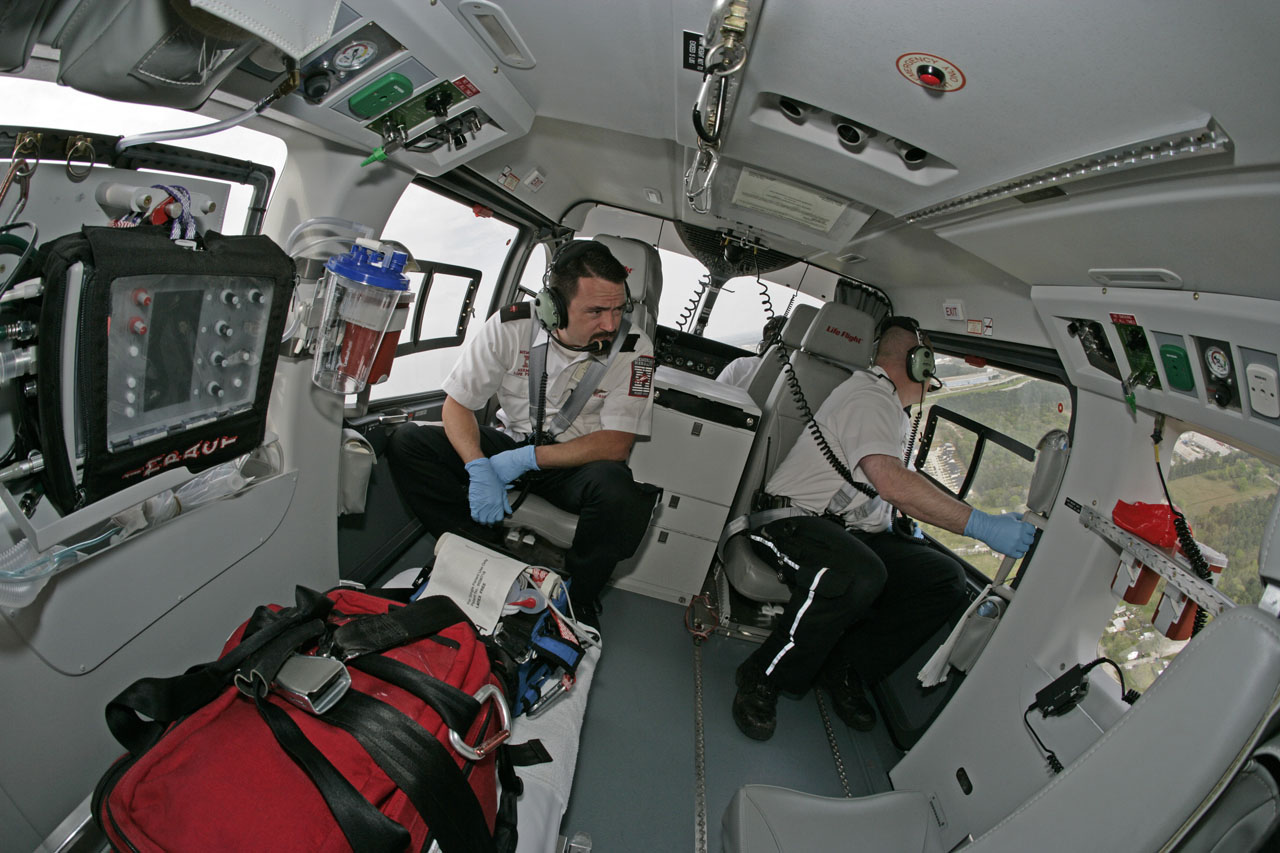 Helico passion ec145 secours civils for Helicoptere interieur