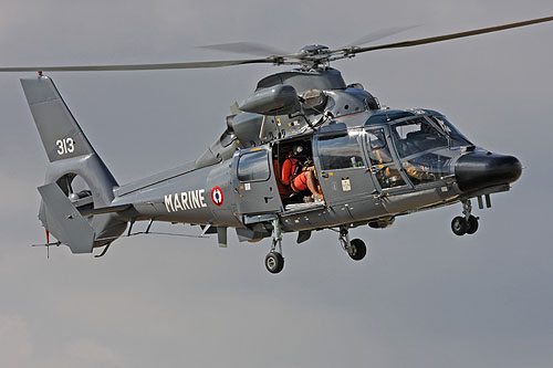 http://www.helicopassion.com/images/HY10/dauphin/HYABZ367t.jpg