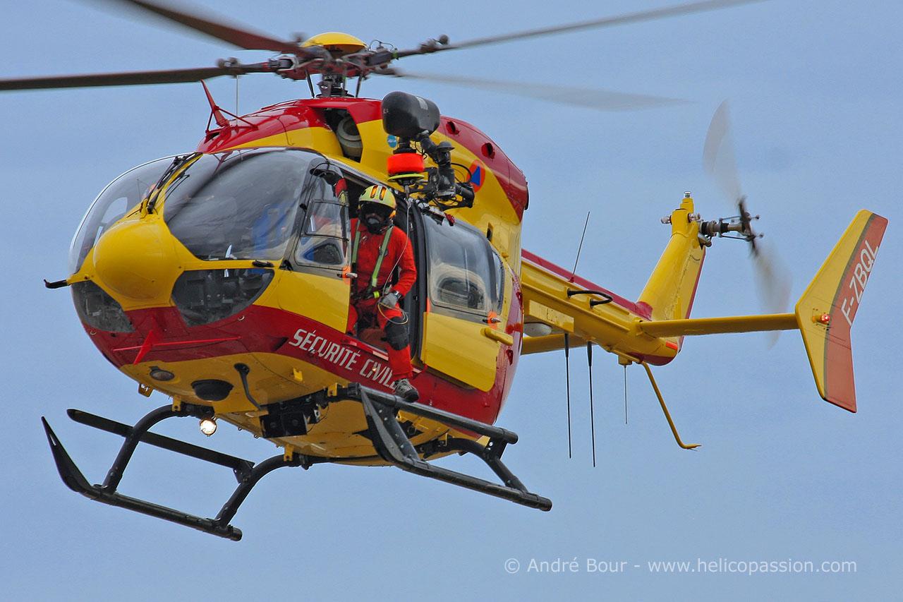 Helico passion pau 2012 ec145 s curit civile - Helicoptere jaune et rouge ...