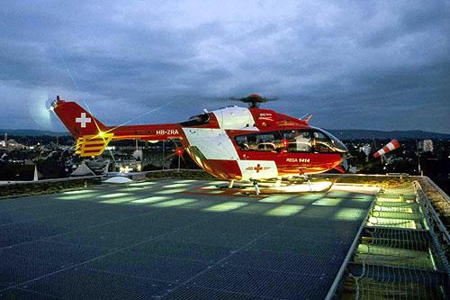 Vol de nuit avec es hélicoptères de la REGA