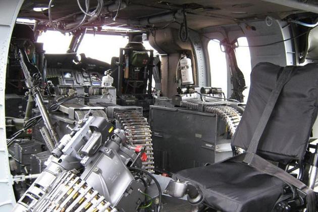 Helico passion uh60 blackhawk et sh60 seahawk colombie for Helicoptere interieur