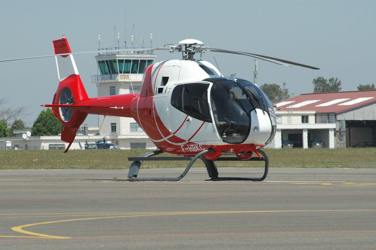 Helico passion les gazelle de l 39 eaalat de dax remplac es par des ec120 - Helicoptere jaune et rouge ...