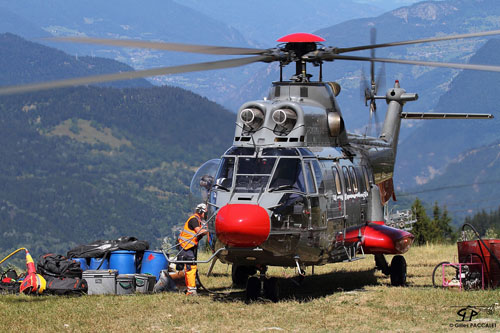 Hélicoptère AS332 C1 SuperPuma HB-ZKN d'EAGLE HELICOPTER