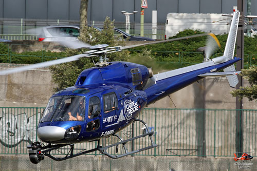 Hélicoptère AS350 Ecureuil F-GMBL